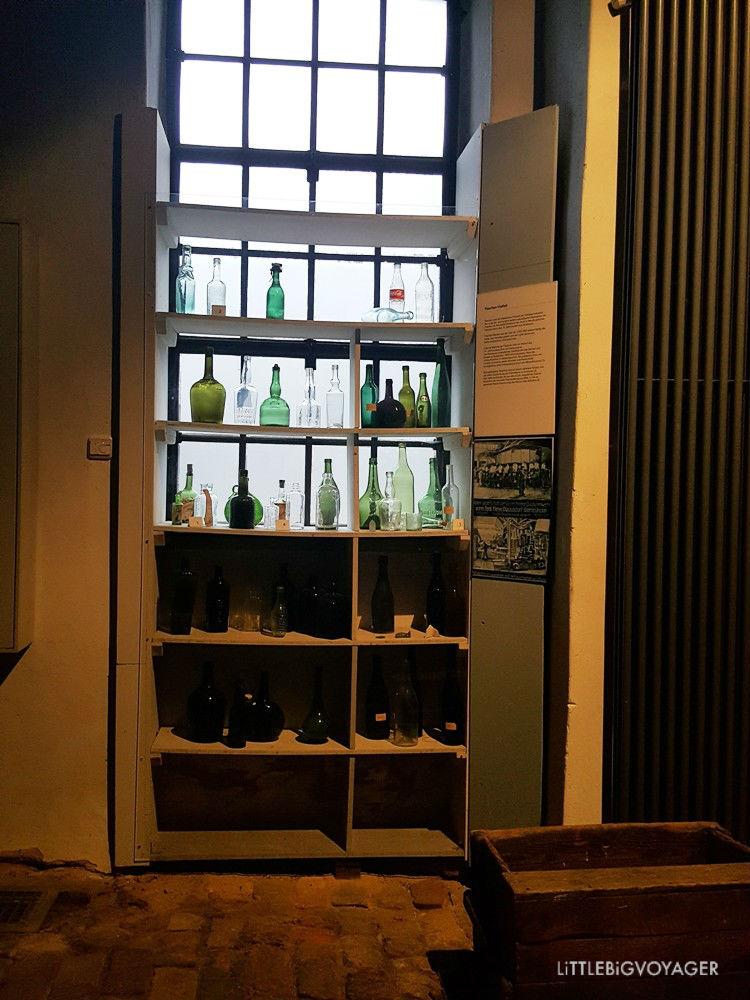 Flaschen in der Brennhalle