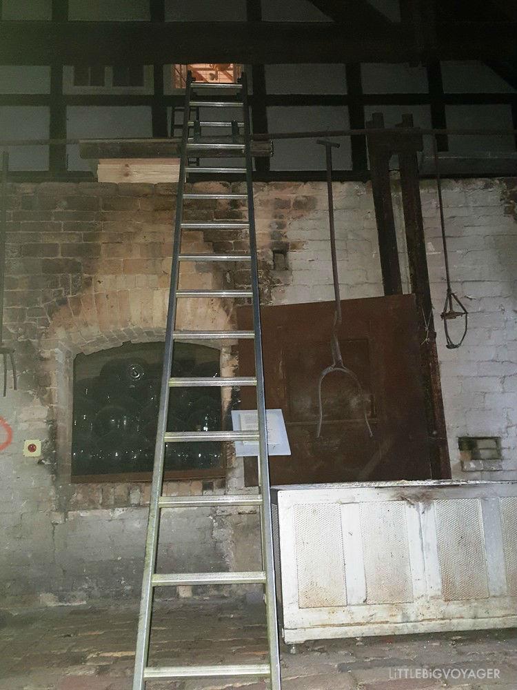 2ter Teil der Fluchtleiter in der Brennhalle