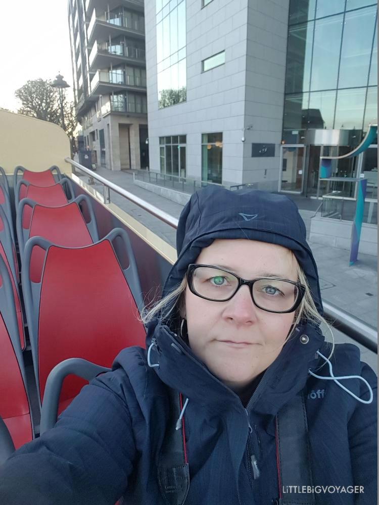 Ich im Sightseeing Bus