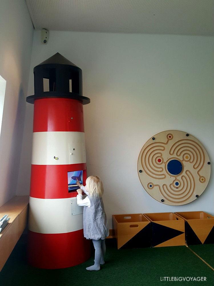 Leuchtturm im Spielzimmer vom Wattforum