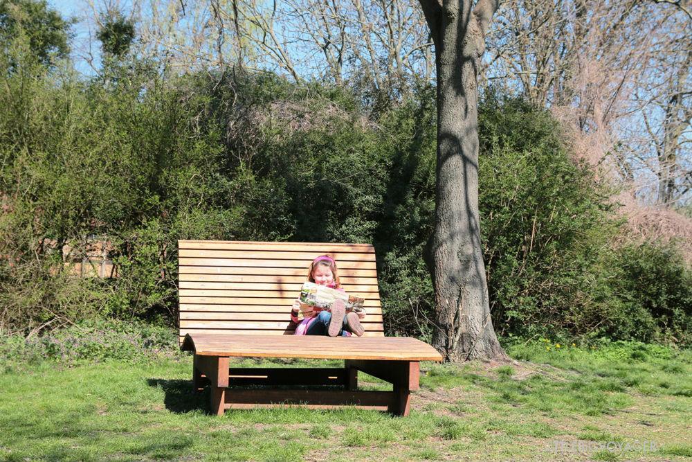 Riesen-Holzliege im Tierpark