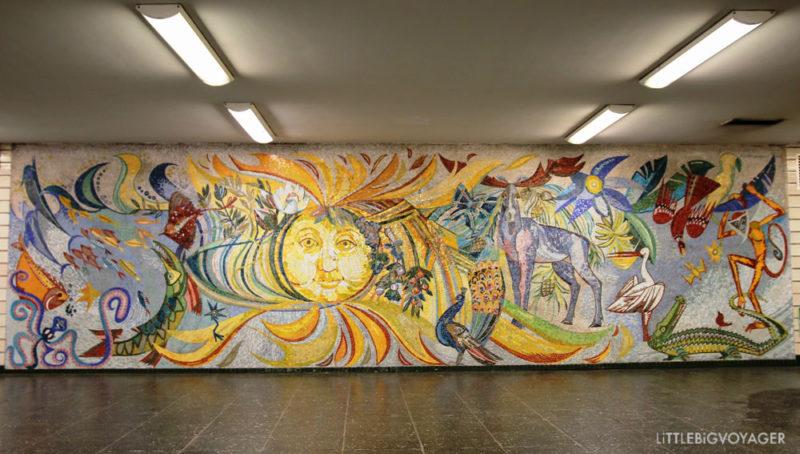 Sonnenschein zur Begrüßung und zum Abschied im U Bahnhof Tierpark